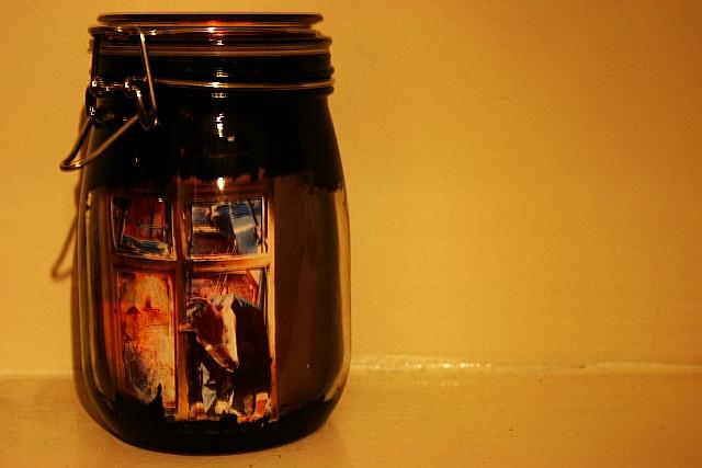 Diorama jar